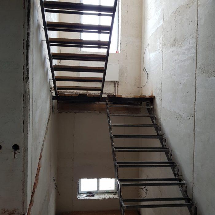 Монтаж лестницы в Пензе (ход строительства)